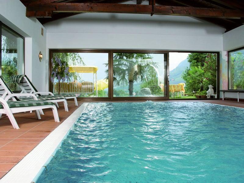 Piscina coperta panoramica hotel lagundo merano e - Hotel con piscina coperta ...